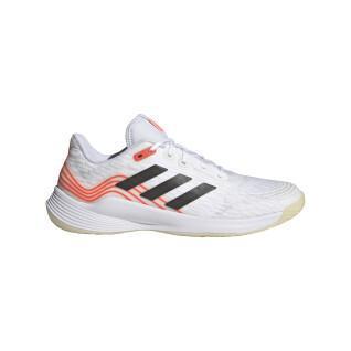 Chaussures adidas Novaflight
